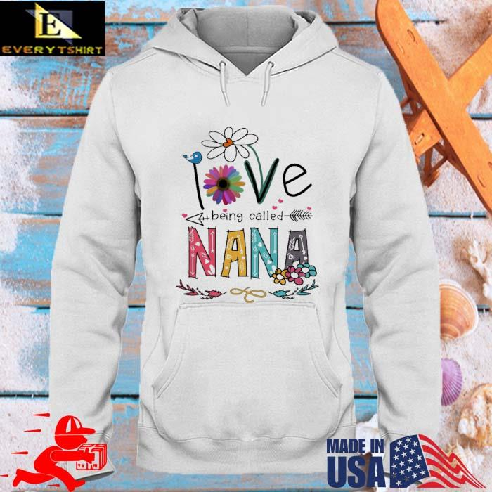 I Love Being Called Nana Daisy Flower Shirt hoodie trang